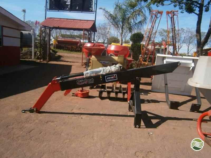 IMPLEMENTOS AGRICOLAS GUINCHO GUINCHO 800 Kg Starmaq Implementos Agrícolas CRUZ ALTA RIO GRANDE DO SUL RS